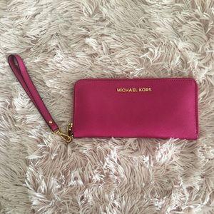MK Wallet/ wristlet 💕